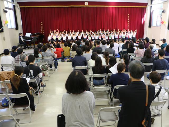 ホール発表:合唱 聖心学園幼稚園年長組