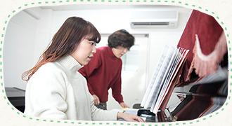 保育科1部・昼間部(2年・100名)