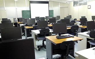別館 情報機器室