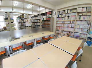 本館 図書室