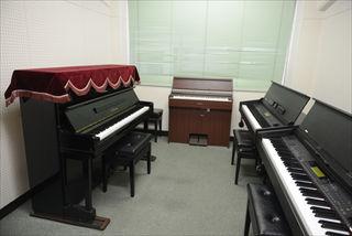 新館 ピアノ練習室